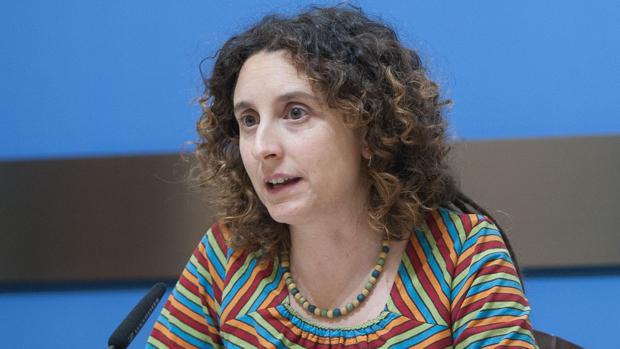 Arantza Gracia, la concejal responsable de la nueva «guía de estilo» y que hace un año pidió recaudar fondos para el joven que atacó a Rajoy en Pontevedra