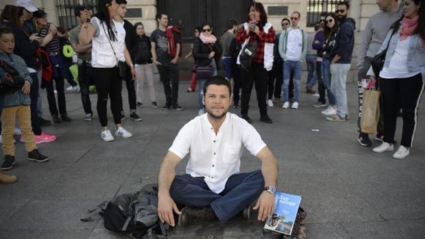 Ignacio Dean posa para ABC desde la Puerta del Sol