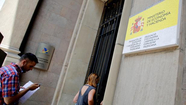 Imagen de una de las sedes de Hacienda en Valencia