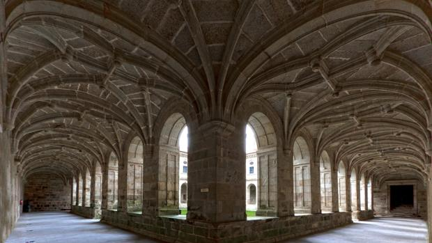 Claustro del Monasterio de San Clodio, en Leiro (Orense)