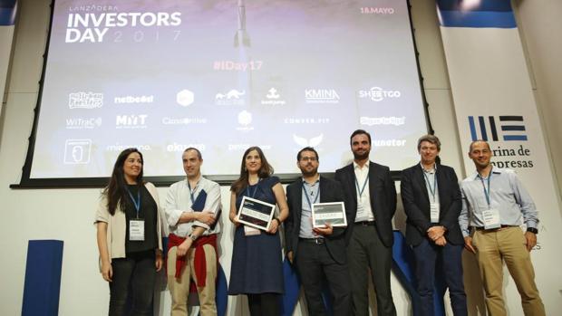 Imagen de los premiados en el evento Investors Day de Lanzadera