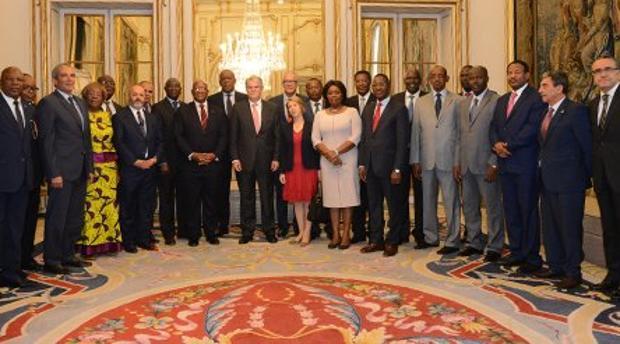 El ministro de Exteriores con embajadores de Grupo África