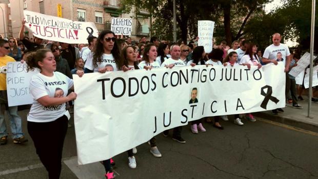En la concentración han pedido justicia por la muerte de Julio García Toledo