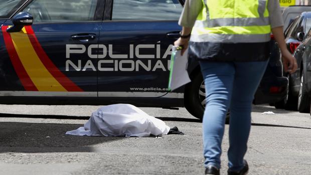 El cadáver del «Niño Sáez», el domingo, en Latina