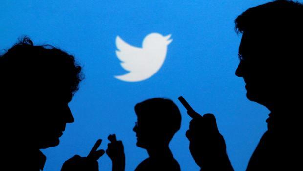 Un juez del Supremo plantea prohibir el acceso a redes sociales a un condenado por chistes de Carrero Blanco