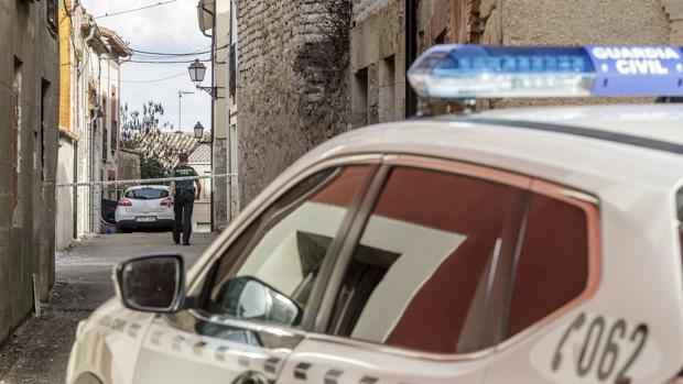 La Guardia Civil mantine medidas de seguridad en el entorno de las viviendas de Villafruela afectadas por la presencia del tóxico