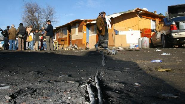 Alrededor de 2.500 menores viven hoy en día en la Cañada Real