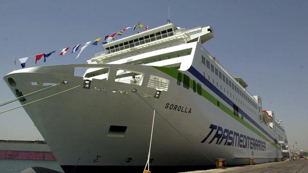 Detenido un hombre que se había atrincherado con un cuchillo en un ferry que llegaba a Palma