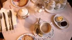 Desayuno en el Café del Jardín del Museo del Romanticismo