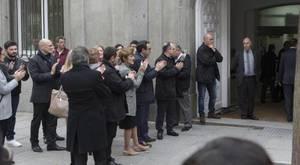 El séquito de la Generalitat y otros dirigentes secesionistas despiden a Homs a las puertas del Supremo