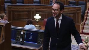 Dimite Antonio Hernando como portavoz socialista en el Congreso