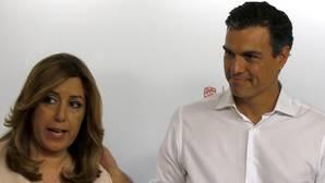 Susana Díaz y Pedro Sánchez posan juntos tras conocerse el resultado de las primarias