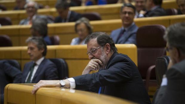 Hemeroteca: El Gobierno ya habla de «dictadura» y «golpistas» en Cataluña | Autor del artículo: Finanzas.com