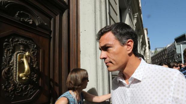 Hemeroteca: Pedro Sánchez regresa al Congreso y asume el control del Grupo Socialista | Autor del artículo: Finanzas.com