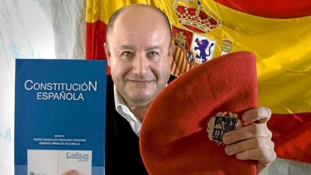 César Velasco Arsuaga, ex subdelegado del Gobierno en Álava, que ha muerto en los alrededores del Teide