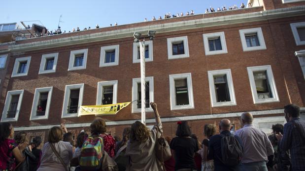 Okupación del edificio en la calle Gobernador, el pasado 6 de mayo