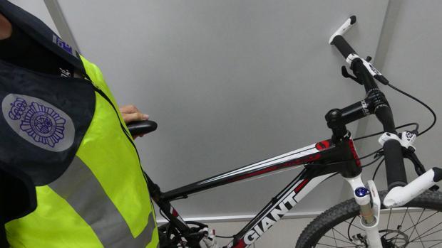 Imagen de la bicicleta recuperada por la Policía Nacional