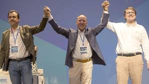 El coordinador nacional del PP, Fernando Martínez Maíllo; el presidente electo, José María Barrios; y el presidente del Partido Popular de Castilla y León, Alfonso Fernández Mañueco; inauguran el decimotercer Congreso del PP de Zamora