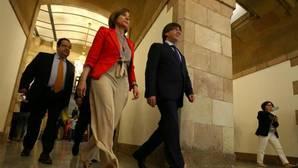 Carles Puigdemont y Carme Forcadell, en el Parlamento de Cataluña