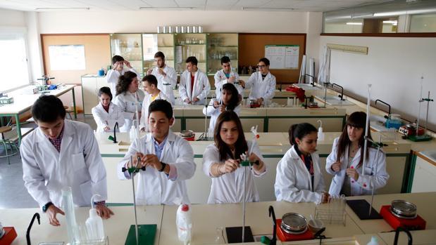 Alumnos del Bachillerato de Excelencia en el Instituto Diego de Praves de Valladolid