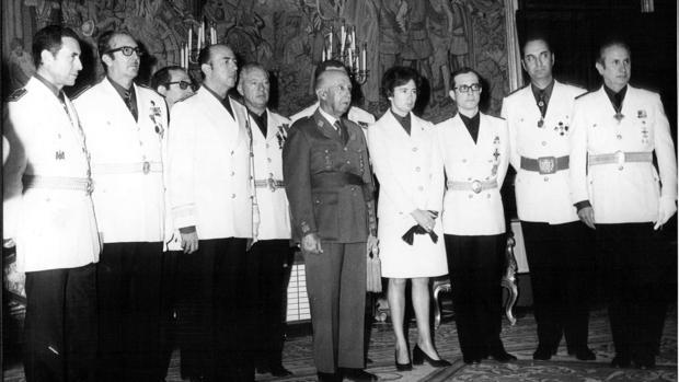 Franco, junto a consejeros nacionales del Movimiento