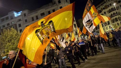 Manifestantes de Falange en una convocatoria en 2012