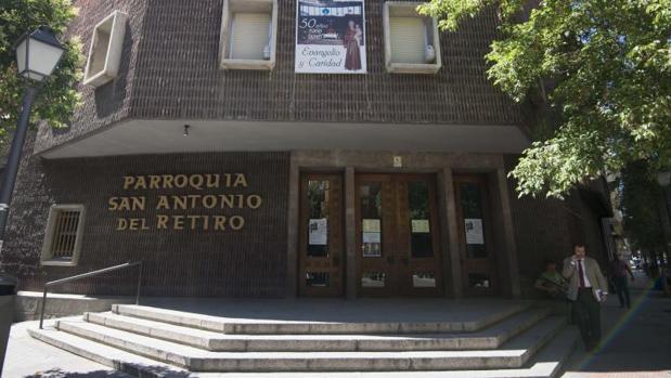 La fachada de la parroquia de San Antonio del Retiro, en la calle Duque de Sesto, 9