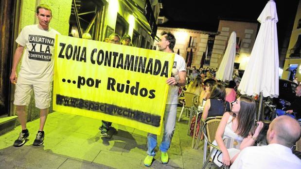 La protesta nocturna recorrió hora y media el barrio el bvernesl