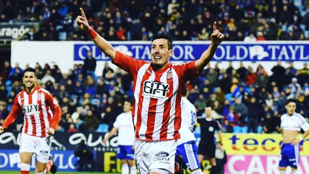 Sandaza celebra un gol este año con el Girona frente al Zaragoza