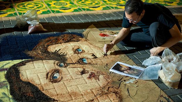 Elche de la sierra celebra el corpus con 30 alfombras de - Alfombras sierra ...