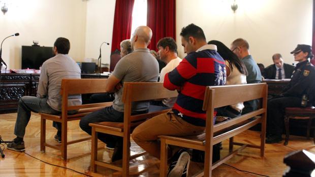Todos los acusados, en una de las sesiones del juicio, celebrado en mayo en la Audiencia Provincial de Toledo