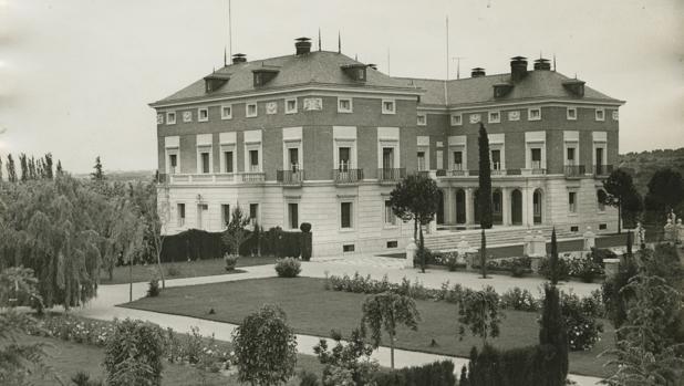El Palacio de La Moncloa, en una imagen que publicó ABC en 1976