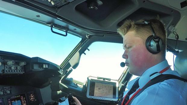 El piloto más joven de Europa tras un perfecto despegue del Aeropuerto Tenerife Sur