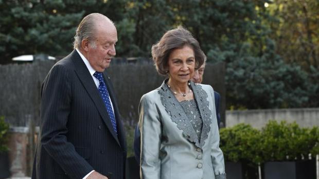 Don Juan Carlos y Doña Sofía en el homenaje celebrado por la asociación Diálogo