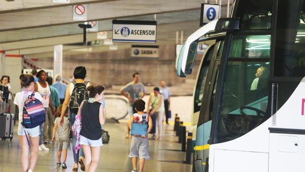 El plan recoge que los escolares compartirán transporte con otros viajeros