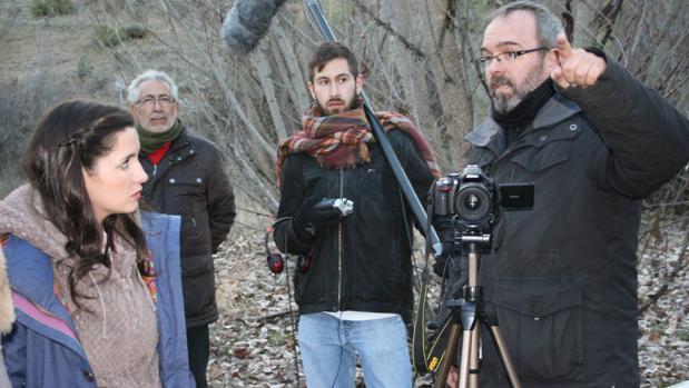 El director, durante el rodaje del tráiler en Luzón (Guadalajara)