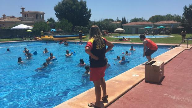 El club de campo de alicante culmina su cambio de gesti n for Piscina olimpica madrid