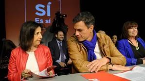 Margarita Robles y Pedro Sánchez