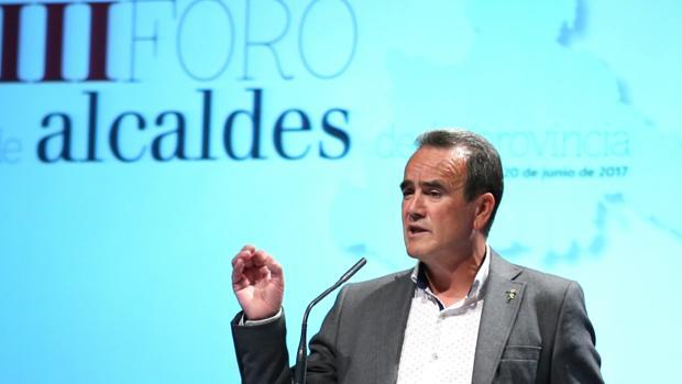 El presidente de la DPZ, Juan Antonio Sánchez Quero, durante su intervención en el III Foro de Alcaldes