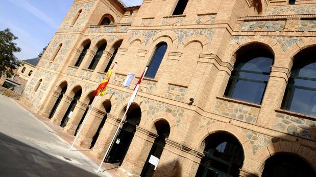 Fachada de la EOI de Toledo