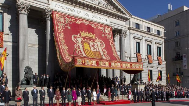 El Congreso de los Diputados, engalado para las ceremonias solemnes en una imagen del pasado 17 de noviembre, con motivo de la apertura de la Legislatura