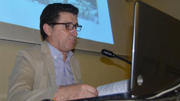 Ildefonso Salillas, alcalde de Villanueva de Sijena (Huesca) desde junio de 1996