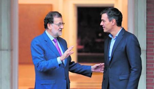 rajoy y Sánchez durante la reunión que mantuvieron en Moncloa el pasado jueves