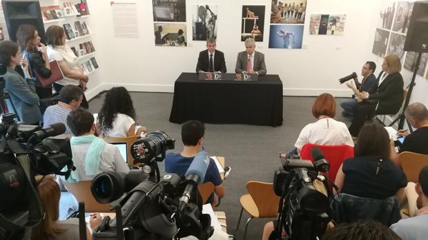 El presidente canario, Fernando Clavijo, y el ministro de Exteriores, Alfonso Dastis, en Las Palmas capital