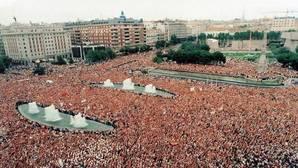 Manifestación en protesta del asesinato de Miguel Ángel Blanco (14-07-1997)