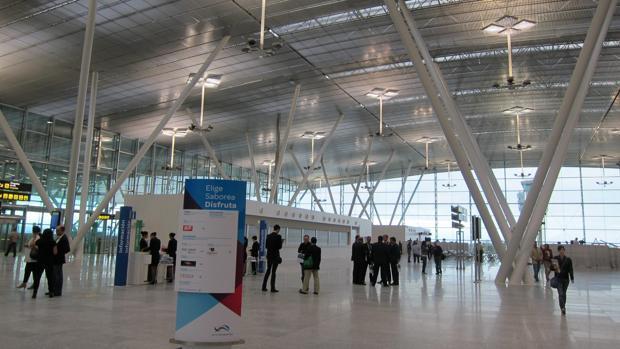 Uno de los vestíbulos del aeropuerto santiagués de Lavacolla