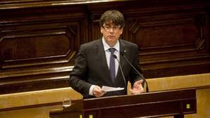 El presidente de la Generalitat, Carles Puigdemont, ayer en el Parlament de Cataluña
