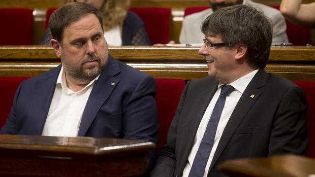 Hemeroteca: Puigdemont releva a los consejeros Jané, Munté y Ruiz | Autor del artículo: Finanzas.com