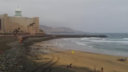 Norte de Gran Canaria desde Auditorio Alfredo Kraus, en la Playa de Las Canteras