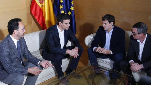 Reunión de Pedro Sánchez y Antonio Hernando con Albert Rivera y José Manuel Villegas en marzo de 2016